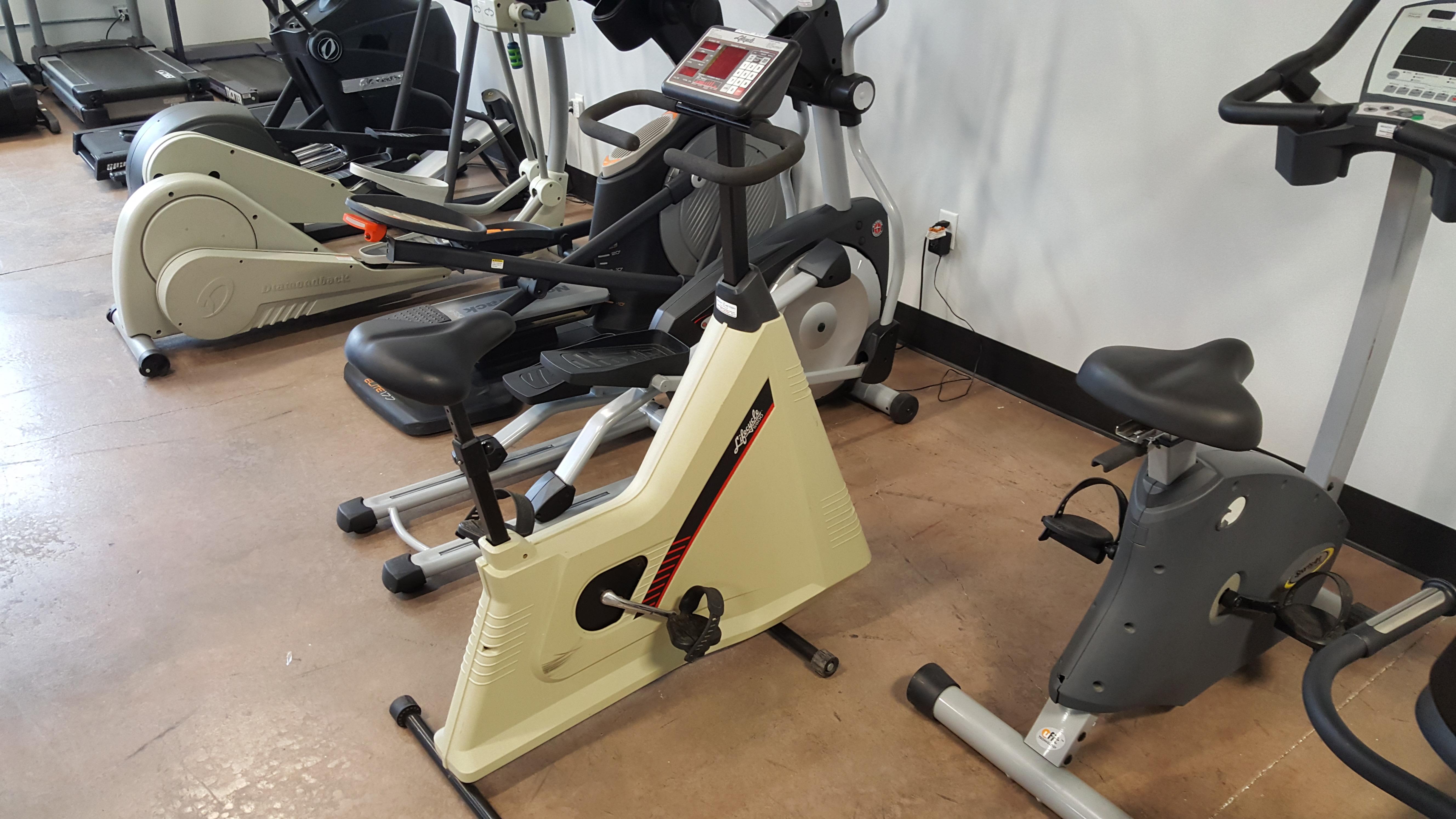 Life Fitness Lifecycle 5500 Upright Bike 250 00
